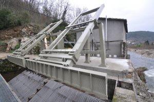 Dégrilleurs centrale hydroélectrique (Ardèche)